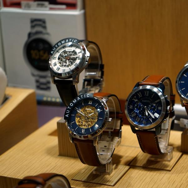 Bijouterie lila shopping de Nivelles -montres Fossil