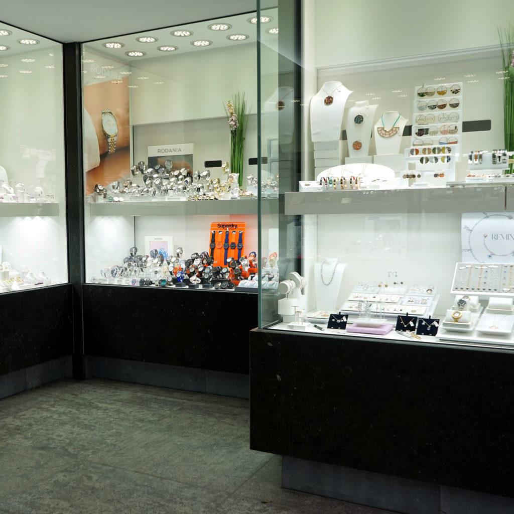 vitrine de la bijouterie Livis Laforge de Soignies